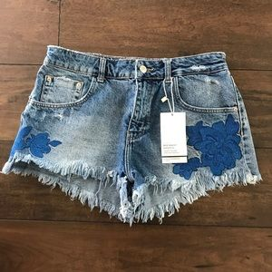 Zara Trafaluc Distressed Floral Embroidered Shorts
