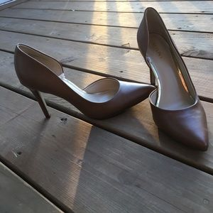NEW brown heels