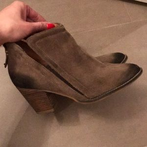 """Jeffrey Campbell """"Burman"""" taupe suede boots"""