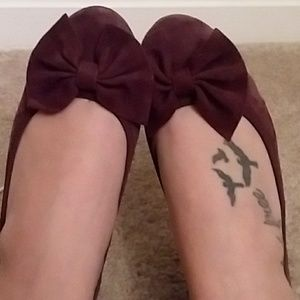 Deep plum bow flats