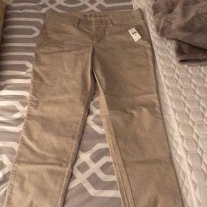 Gap Size 8 Khaki Pants