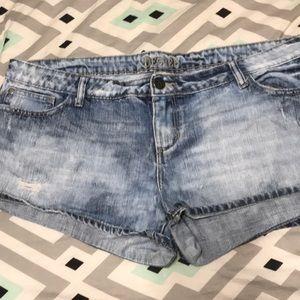 Decree light wash shorts
