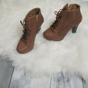 Charlotte russe Heel botties