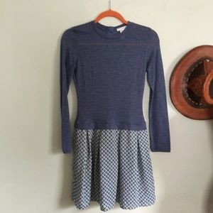 Esley long sleeve dress size small