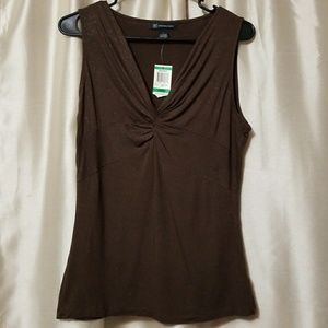 NwT Brown/gold sparkle v-neck top by INC
