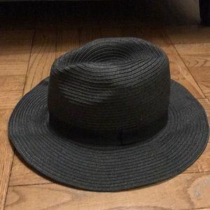Raffia floppy/flat brimmed hat