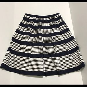 TALBOTS Pre-owned Petite Pleated Skirt
