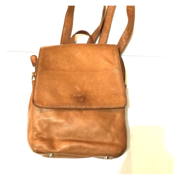 comfortable feel perfect quality pretty cool ✨Tignanello tan leather backpack purse vintage ✨