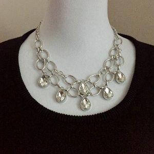 Jewelry - 💎Gorgeous statement necklace! 💎