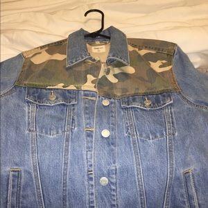 GAP denim and camouflage jacket