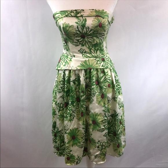 e0baa4b2209 Betsey Johnson Dresses   Skirts - Betsey Johnson Green Daisy Strapless Dress  Size 6