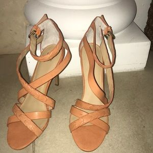 Beautiful Joe's coral/papaya color Ramsey heels