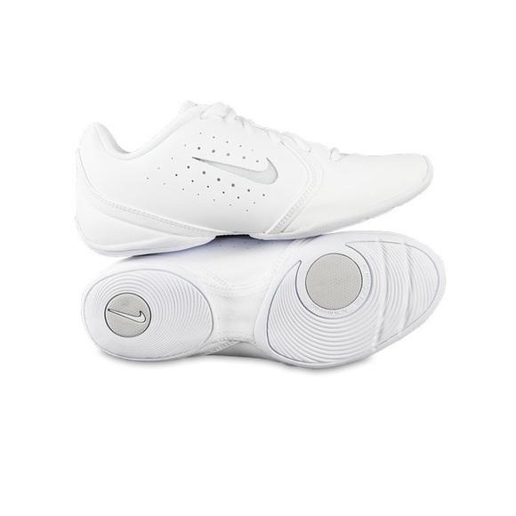 a7633a45378 nike sideline III cheer shoes. M 5a2d87d96a583018ec06be91