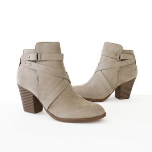 groovy faux suede clay booties