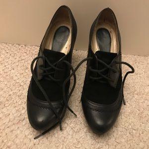 Black leather naturalizer heels