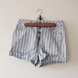 NWOT BDG Stripe Foxy Exposed Button Short