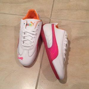 NWT Vintage Puma pink rainbow sneaker size 7.5 NWT