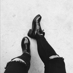 Black Zipper Rugged Boyfriend Creeper Boot