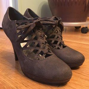 Naturalizer Charcoal Heels