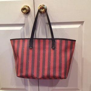 EUC Ralph Lauren tote, beautiful red/navy pattern