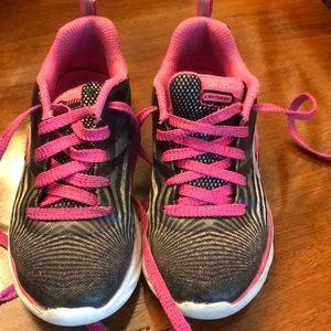 Girls size 13 Skechers tennis shoes