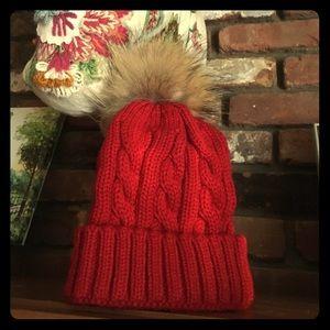 NEW cable knit beanie hat w fur pom pom removable