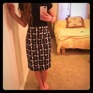 Express b&w pencil skirt
