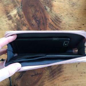 hudson and bleecker Bags - Hudson & Bleecker Bonjour Smartphone Wallet