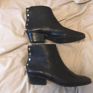 Vince camuto black leather boots 7.5