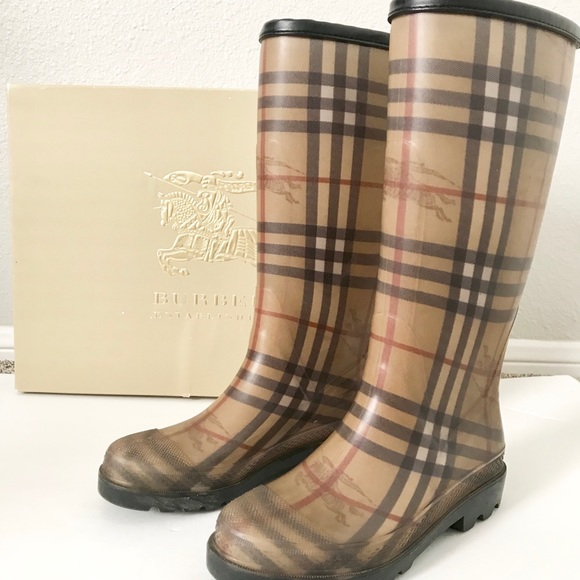 aedff9c59c17b Burberry Nova Check Rain Boots - authentic. M_5a2d531036d5949ea205a069