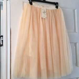 Perfect holiday tulle skirt
