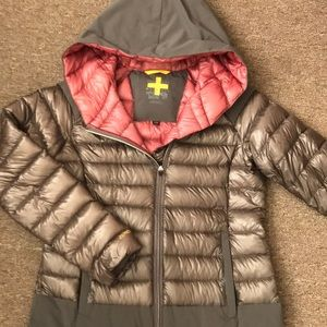 Insulated with water resistant DOWN. Worn once