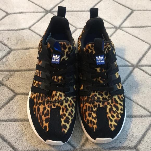 Le Adidas Sl Loop Leopardato Poshmark Scarpa Dimensioni 8 12 Poshmark Leopardato 8d86bb