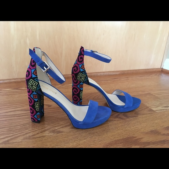 d2f87a50c5e NEW. Nine West Dempsey Dress Sandal Multi Fabric. M 5a2d5f1aea3f3668a505e6d8