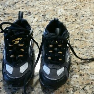Toddler boy's Sketchers tennis shoes Size 5 NWOT