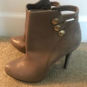 Guess booties size 9 1/2 never worn