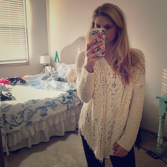 Free People Sweaters - SOLD ⭐️ Free People Cable knit sweater chunky