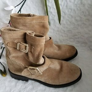 NWOT Vince Camuto Tan Rubina Suede Ankle Boots
