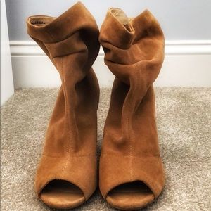 Chinese Laundry open toed booties! W size 8.5