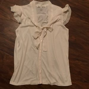 Gorgeous French Laundry Dressy Blouse