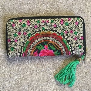 EMBROIDERED FLOWERS THAI WALLET