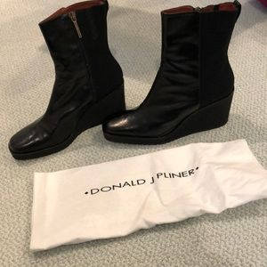 Leather heeled boot