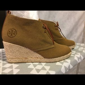 Tory Burch Army Green Wedge Booties 9