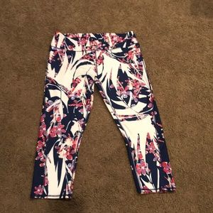 Fabletics cropped leggings size large