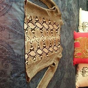 Zara LS shirt, greynblack snakeskin print on front
