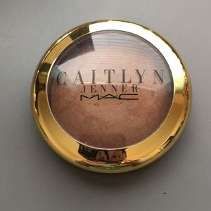 MAC Caitlyn Jenner Mineralized Skinfinish Natural