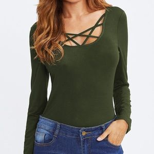 Tops - Army green cut out T