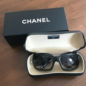Vintage Chanel Black Fade Dark Green Sunglasses