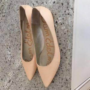 Size 9 Sam Edelman nude flats with pointy toe