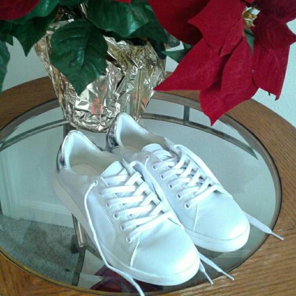 Memory Foam Comfortable Sneakers